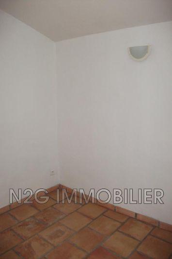 Photo n°3 - Location appartement Saint-Paul-en-Forêt 83440 - 445 €