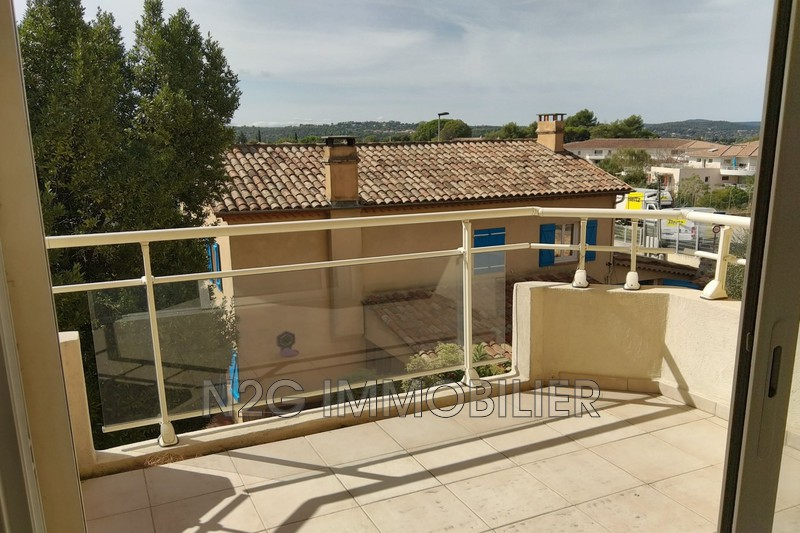 Photo Appartement Grasse  Location appartement  2 pièces   48 m²
