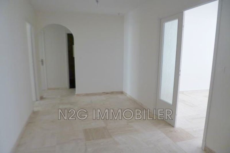 Photo Appartement Le Cannet Centre-ville,  Location appartement  4 pièces   117 m²