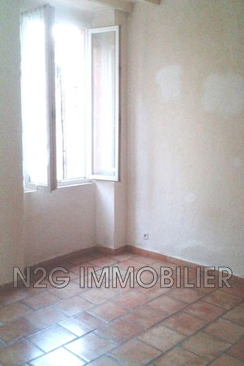 Photo n°1 - Location appartement Callas 83830 - 305 €