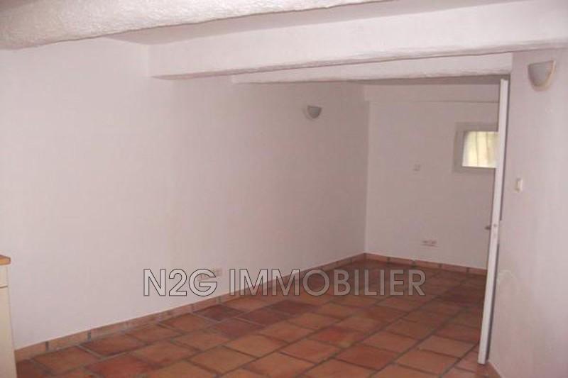 Photo n°3 - Location appartement Saint-Paul-en-Forêt 83440 - 335 €