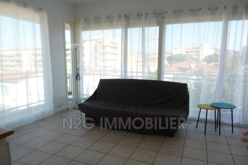 Photo Appartement Cannes Centre-ville,  Location appartement  1 pièce   20m²