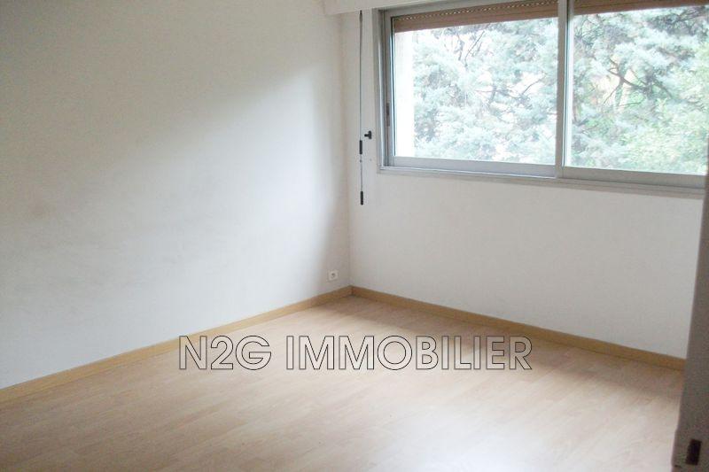 Appartement Le Cannet Centre-ville,  Location appartement  3 pièces   65m²