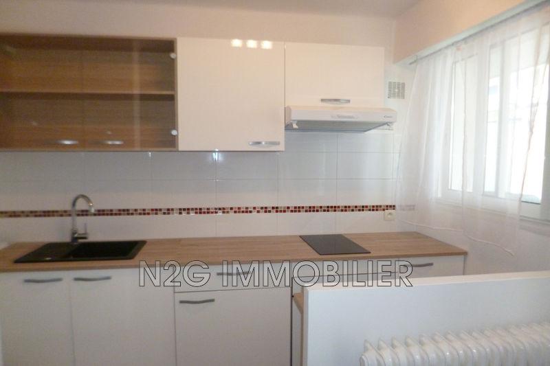 Photo Apartment Cannes Centre-ville,  Rentals apartment  1 room   27m²