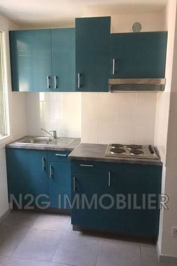 Photo n°2 - Location appartement Cannes 06400 - 885 €