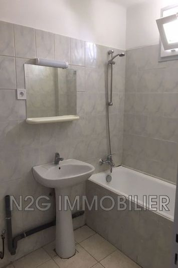 Photo n°7 - Location appartement Cannes 06400 - 885 €
