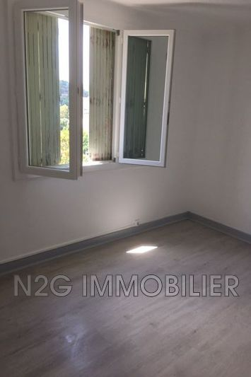 Photo n°9 - Location appartement Cannes 06400 - 885 €