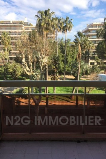 Apartment Juan-les-Pins Centre-ville,  Rentals apartment  2 rooms   39 m²