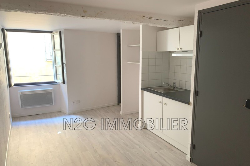 Photo Appartement Grasse Centre-ville,  Location appartement  1 pièce   15m²