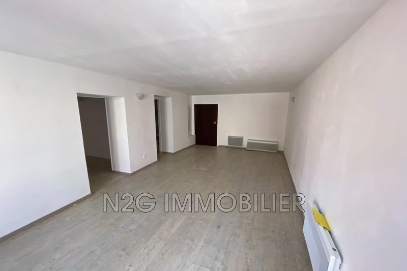 Appartement Grasse Centre-ville,  Location appartement  3 pièces   60m²