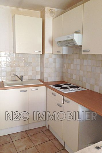 Photo n°1 - Location appartement Grasse 06130 - 420 €