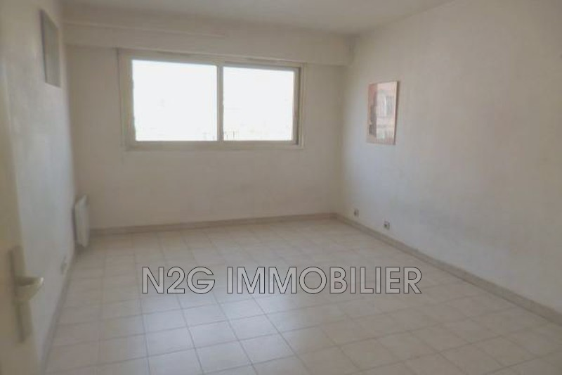 Photo n°2 - Vente appartement Cannes 06400 - 82 500 €