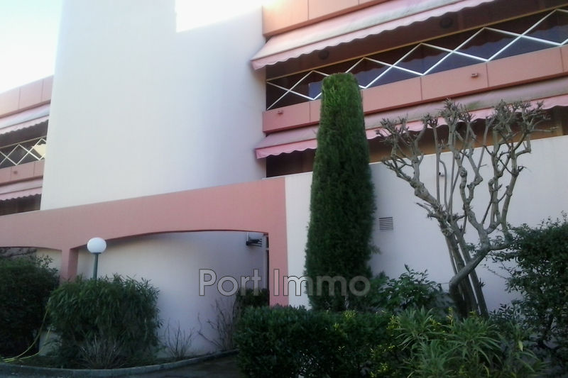 Photo Apartment Villeneuve-Loubet Plage,  Rentals apartment  1 room   30 m²