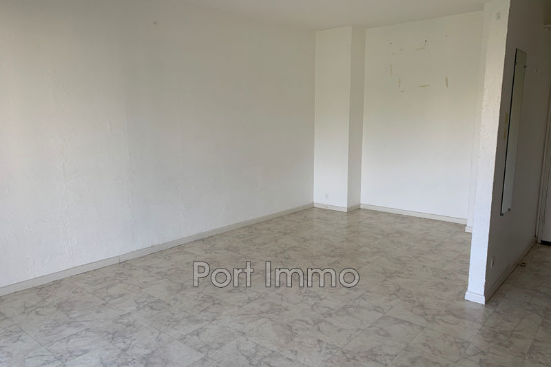 Photo n°1 - Location appartement Cagnes-sur-Mer 06800 - 560 €