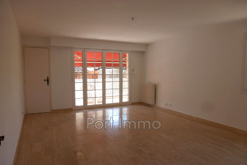 Photo Apartment Cagnes-sur-Mer Hippodrome-pinède,  Rentals apartment  2 rooms   59 m²