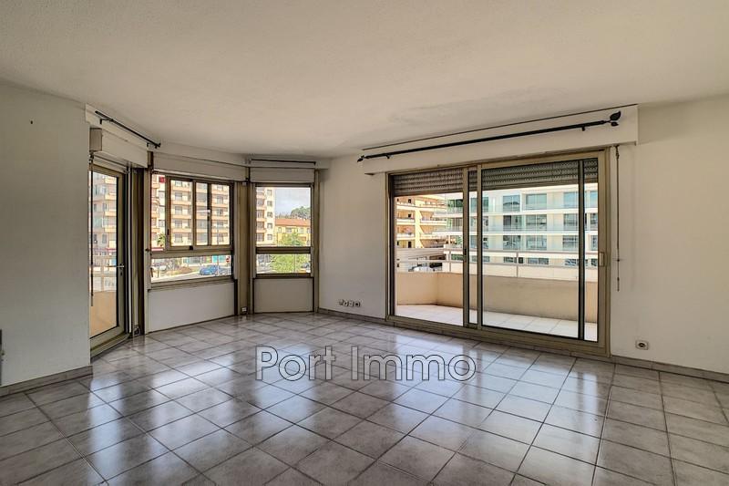 Appartement Cagnes-sur-Mer Centre-ville,  Location appartement  2 pièces   51m²