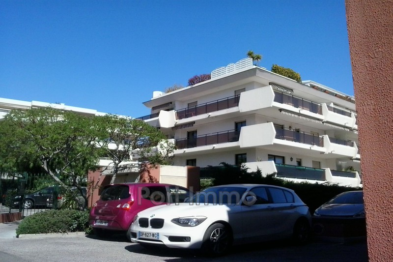 Photo Parking Cagnes-sur-Mer Vespins,  Location parking