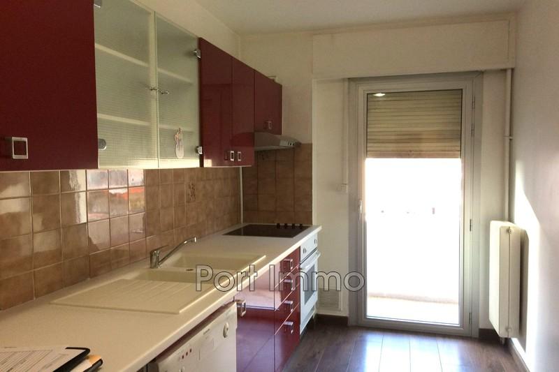 Appartement Cagnes-sur-Mer Centre ville,  Location appartement  2 pièces   50m²