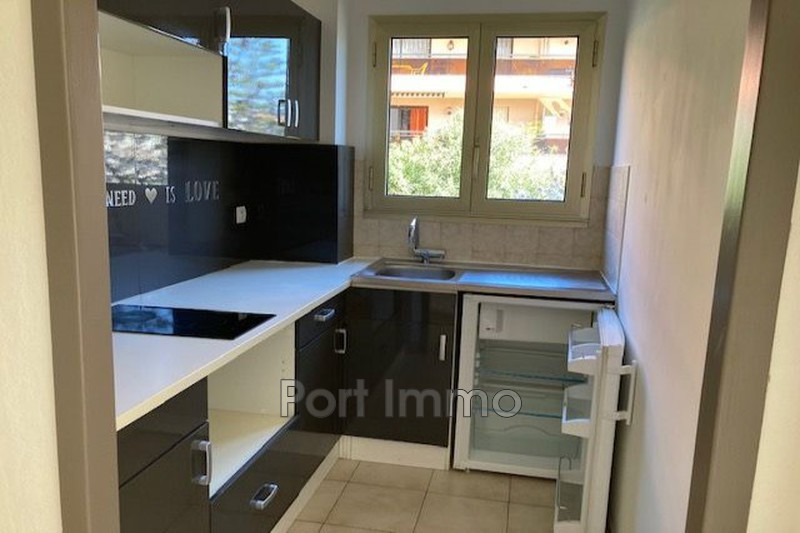 Photo Apartment Cagnes-sur-Mer Vespins,  Rentals apartment  1 room   25 m²
