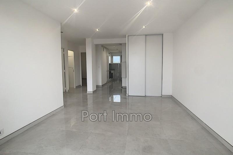 Photo Appartement Cagnes-sur-Mer Cros de cagnes,  Location appartement  3 pièces   50m²