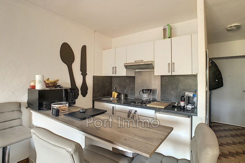 Photo n°3 - Location Appartement rez-de-jardin Saint-Laurent-du-Var 06700 - 625 €