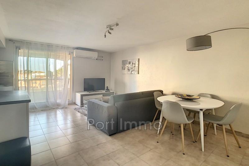 Photo Appartement Cagnes-sur-Mer Pinede,  Location appartement  2 pièces   40m²