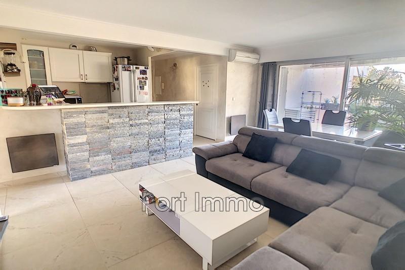 Photo n°3 - Vente appartement Saint-Laurent-du-Var 06700 - 320 000 €