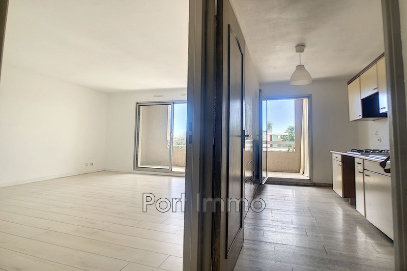 Photo n°9 - Vente appartement Saint-Laurent-du-Var 06700 - 225 000 €