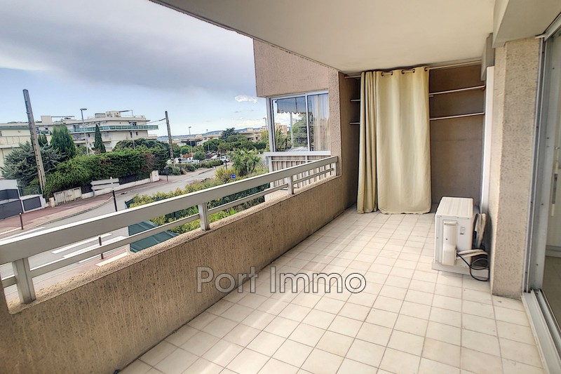 Photo n°1 - Vente appartement Saint-Laurent-du-Var 06700 - 225 000 €
