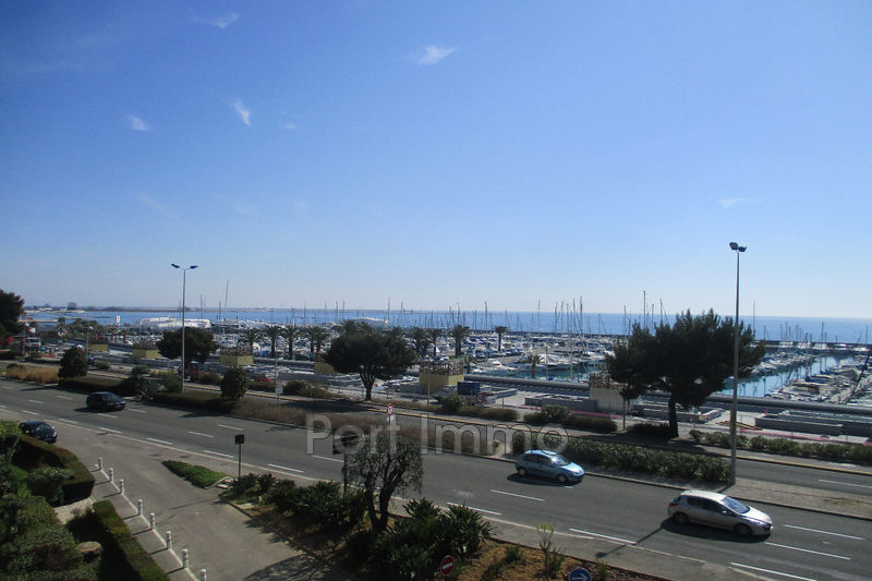 Photo Appartement Saint-Laurent-du-Var Bord de mer,   achat appartement  1 pièce   30 m²