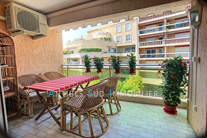 Apartment Golfe-Juan Centre ville,   to buy apartment  3 rooms   69 m²
