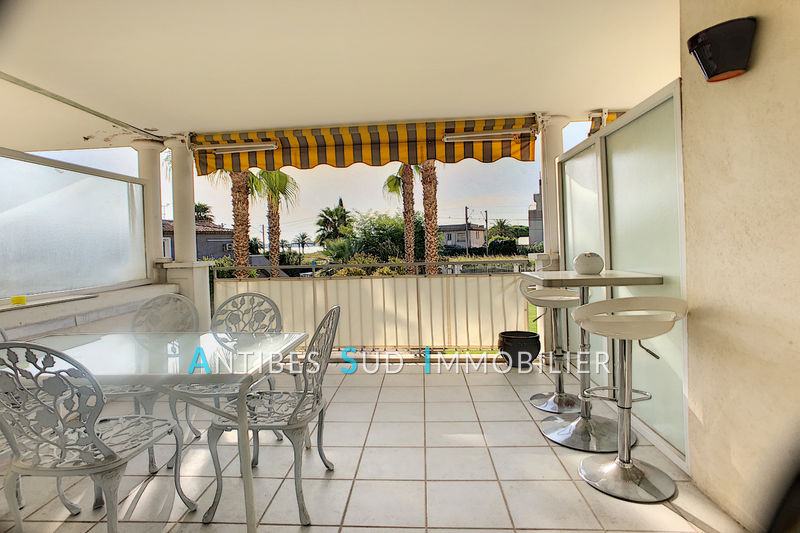 Photo Apartment Golfe-Juan Proche plages,   to buy apartment  3 rooms   66 m²