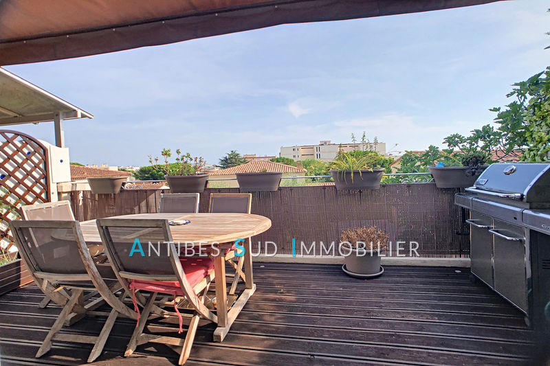 Photo Apartment Antibes Bijou plage,   to buy apartment  4 rooms   78 m²