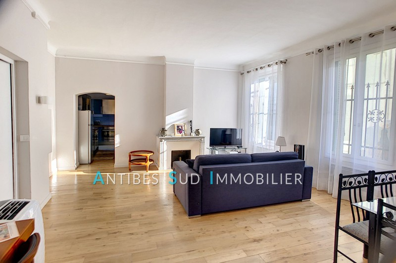 Photo Apartment Antibes Vieil antibes,   to buy apartment  3 rooms   53 m²