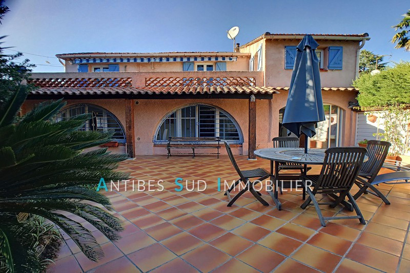 Mansion Golfe-Juan Proche centre et plages,   to buy mansion  3 bedroom   128 m²