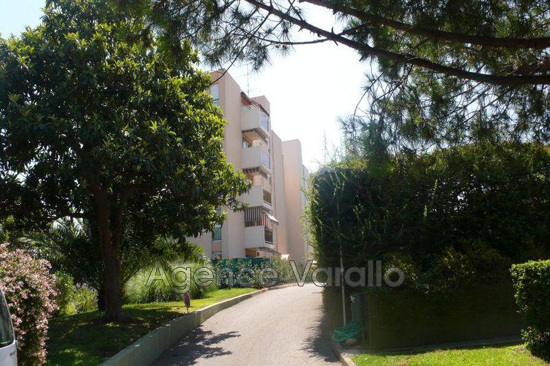 Photo Appartement Antibes Hauteurs,  Location appartement  3 pièces   65m²