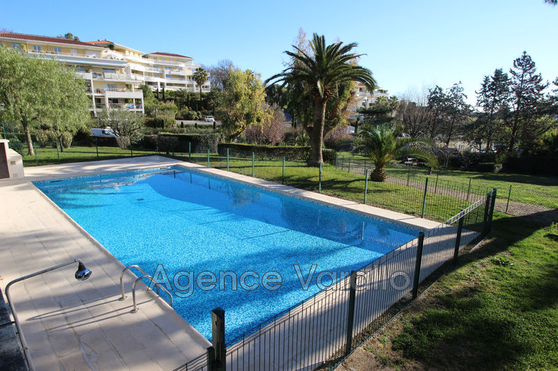 Photo Appartement Antibes Combes,  Location appartement  3 pièces   68m²