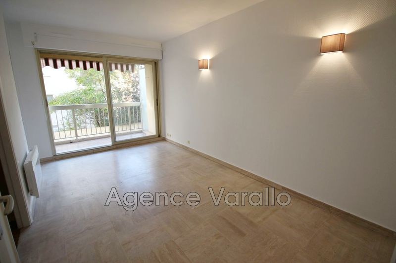 Photo n°2 - Location appartement Antibes 06600 - 467 €
