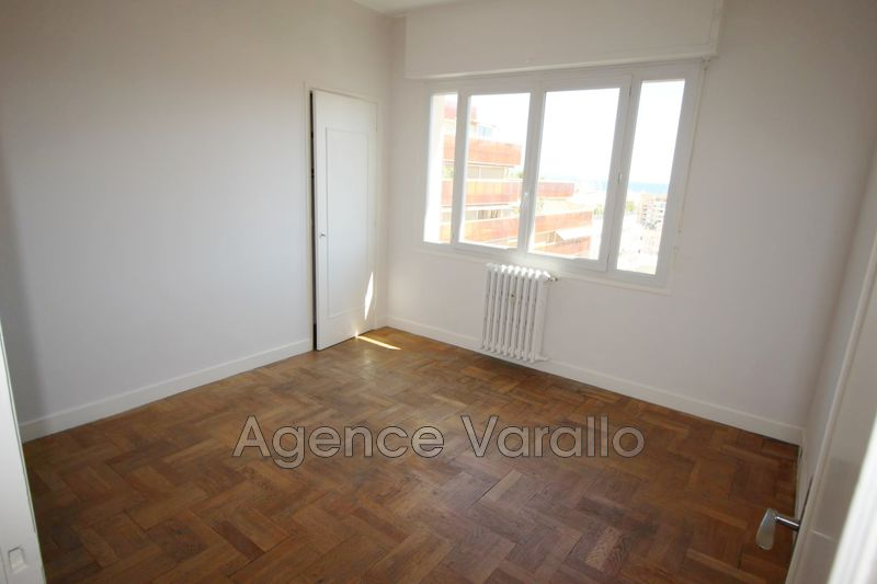 Photo n°3 - Location appartement Antibes 06600 - 790 €