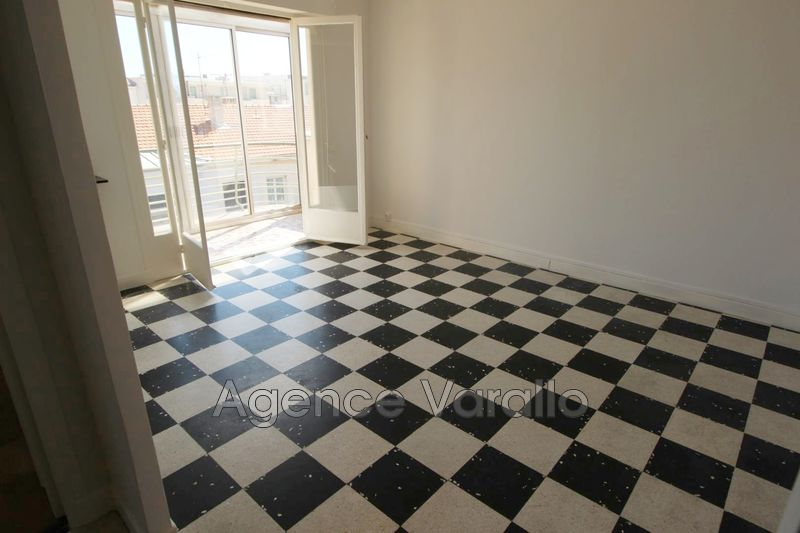 Photo n°2 - Location appartement Antibes 06600 - 790 €