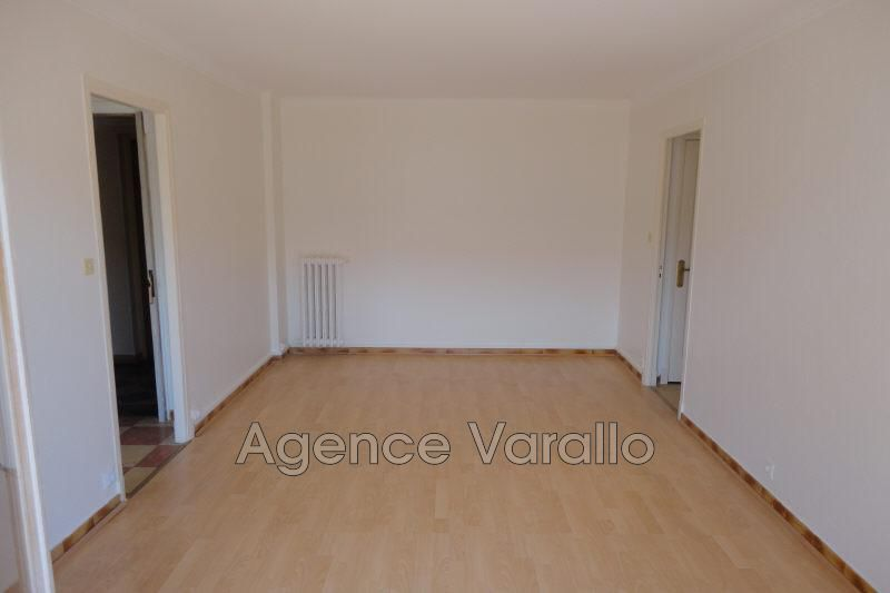 Photo n°2 - Location appartement Antibes 06600 - 797 €