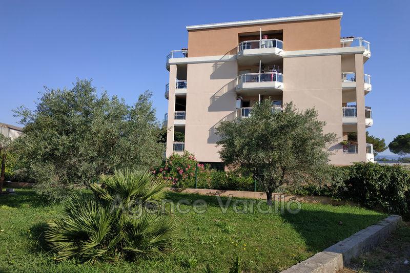 Appartement Antibes Hauteurs,  Location appartement  2 pièces   45m²