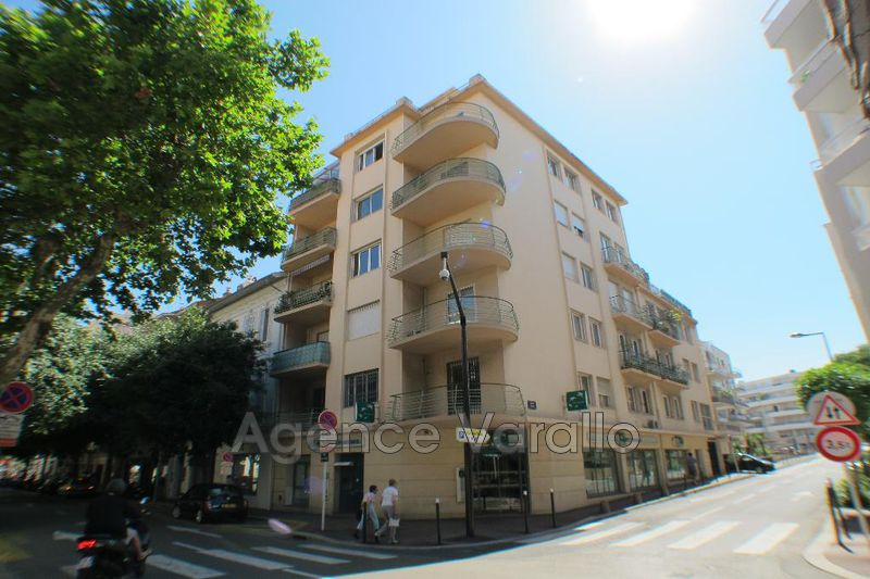 Apartment Antibes Centre,  Rentals apartment  1 room   31 m²