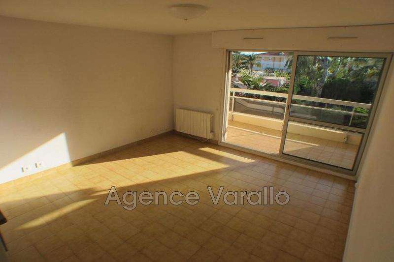 Photo n°3 - Location appartement Antibes 06600 - 538 €