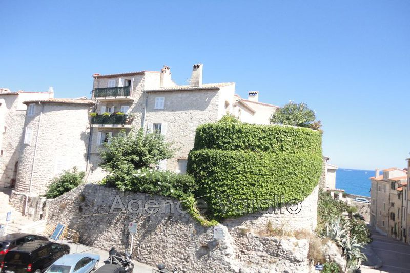 Photo Appartement Antibes Vieil antibes,  Location appartement  2 pièces   64 m²
