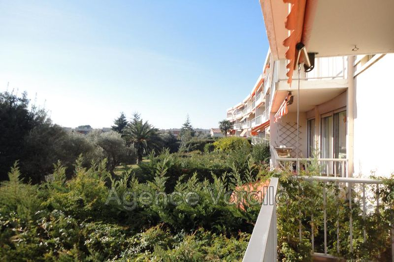 Photo Appartement Antibes Hauteurs,  Location appartement  3 pièces   61 m²