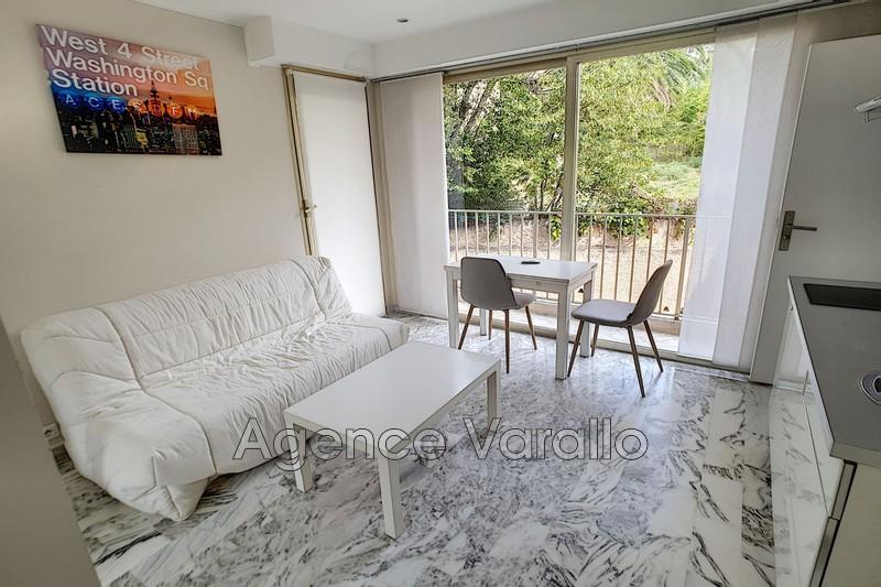 Photo Appartement Juan-les-Pins Pinede,  Location appartement  1 pièce   16m²