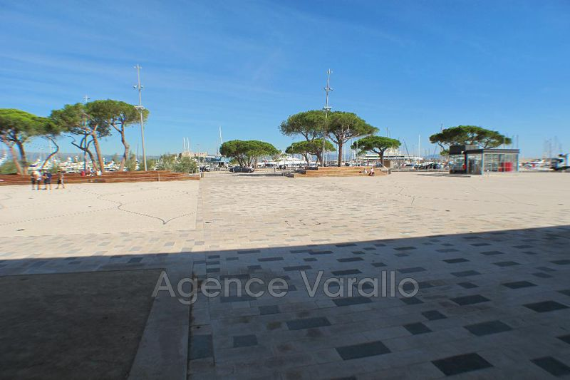 Photo Appartement Antibes Vieil antibes,  Location appartement  3 pièces   42 m²