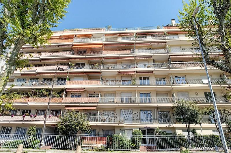 Appartement Antibes Centre,  Location appartement  3 pièces   63m²