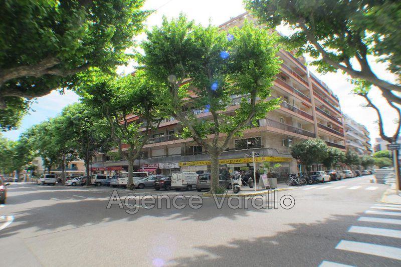 Photo Appartement Antibes Centre ville,  Location appartement  2 pièces   46m²